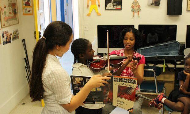 Cleveland Orchestra Musicians Visit Miami Community Center