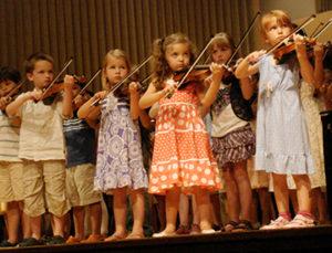 Children_Playing_Violin_Suzuki_Institute