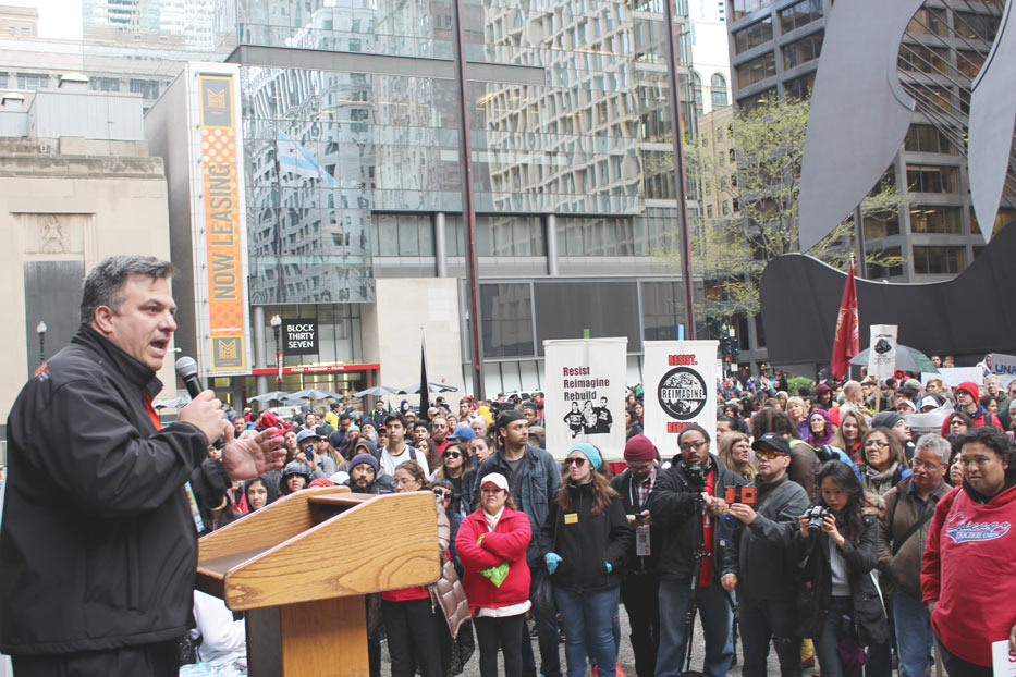 Chicago-Jorge-Ramirez-addresses-the-crowd-by-Chicago-Federation-of-Labor
